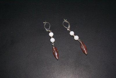 Orecchini con perle di agata bianca