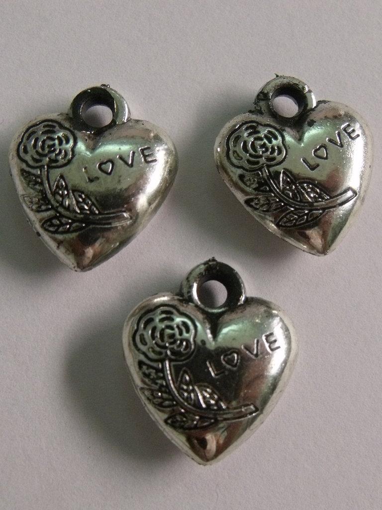 3 Charm cuori resina argento