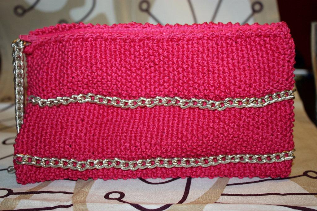 borsa pochette in cotone fucsia con catena