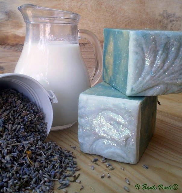 Sapone Latte di capra Olio essenziale lavanda Olio d'oliva extravergine