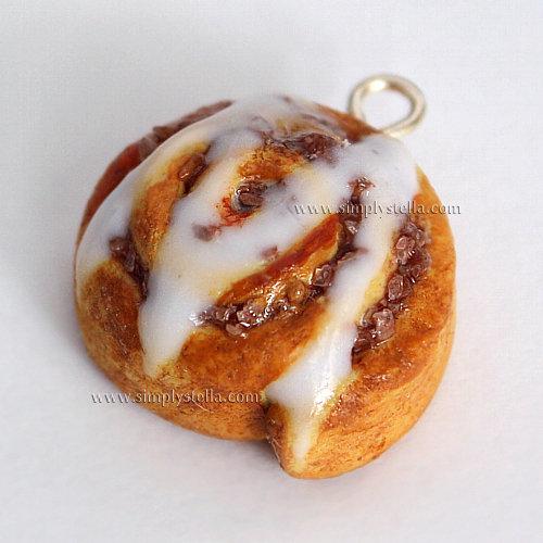 Cinnamon Roll - Charm