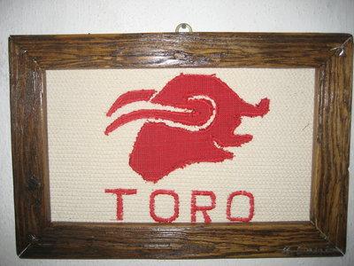 """Quadro in stoffa""""TORO"""" -fatto a mano, 32,5 x 21,5 cm."""