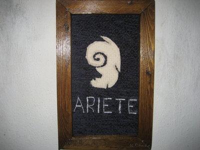 """Quadro in stoffa""""ARIETE"""" -fatto a mano, 21 x 33,5"""