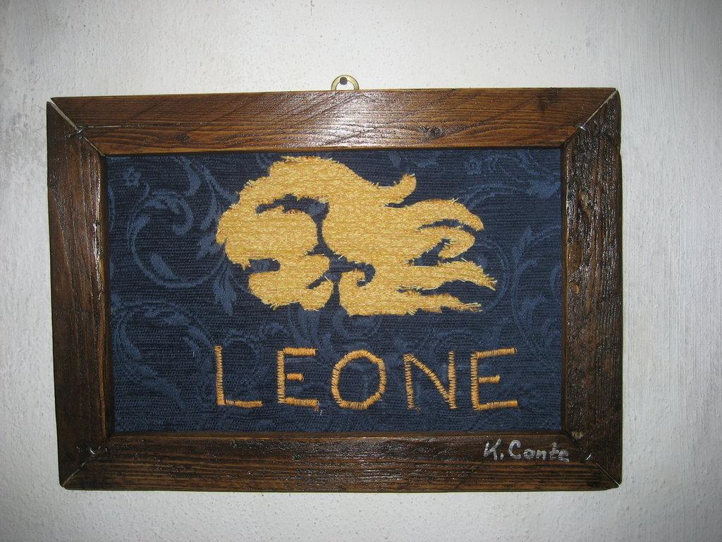 """Quadro in stoffa""""LEONE"""" -fatto a mano, 32,5 x 21,5 cm."""