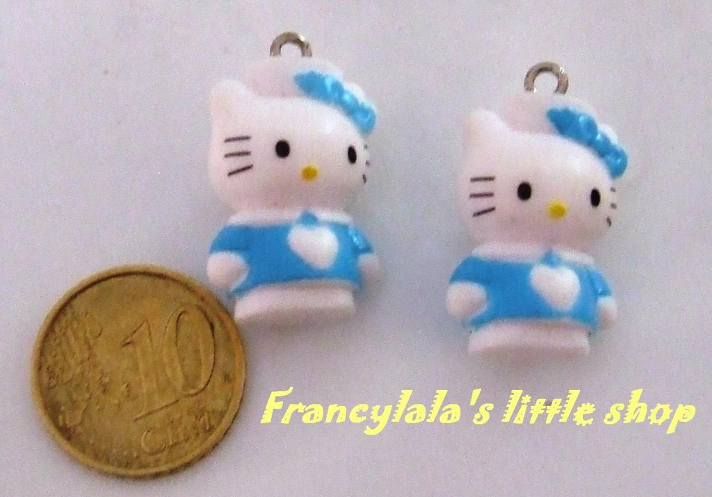 charms Hello Kitty
