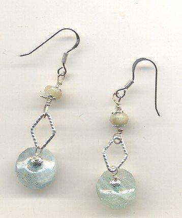 Orecchini per cristalloterapia con perle di acquamarina