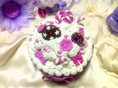 Scatola portagioie tonda con decorazioni dolciose