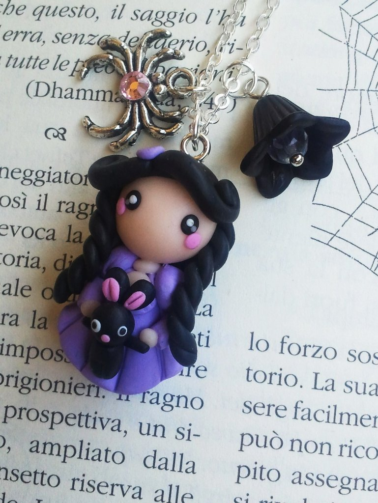 Ciondolo Gothic Doll with Rabbit