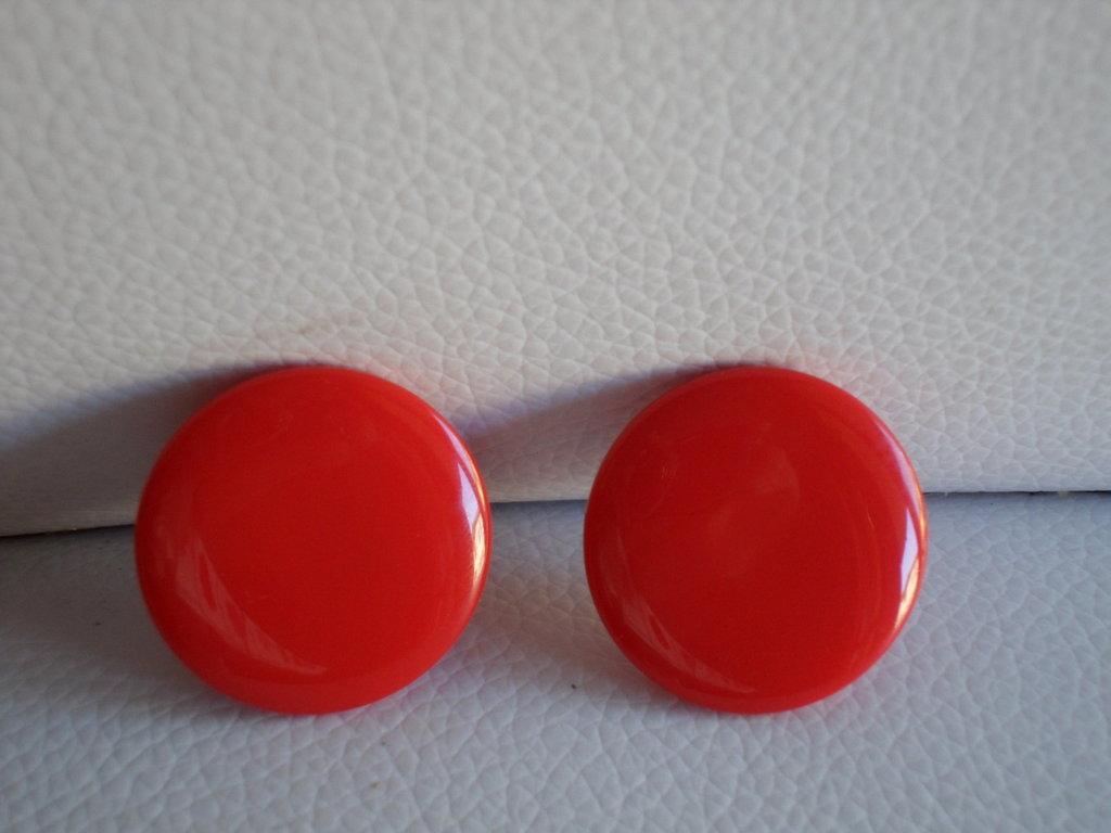 orecchino a bottone