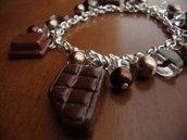 Bracciale con charms in fimo tavolettine e quadrettini di cioccolato