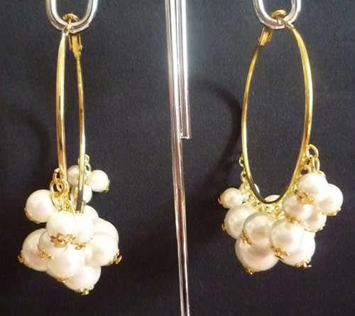 orecchini cerchi con perle