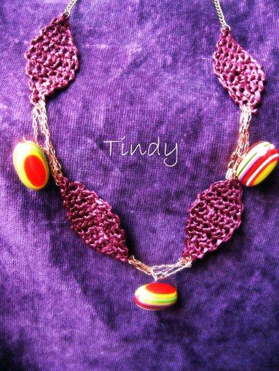 Collana rafia e perle colorate