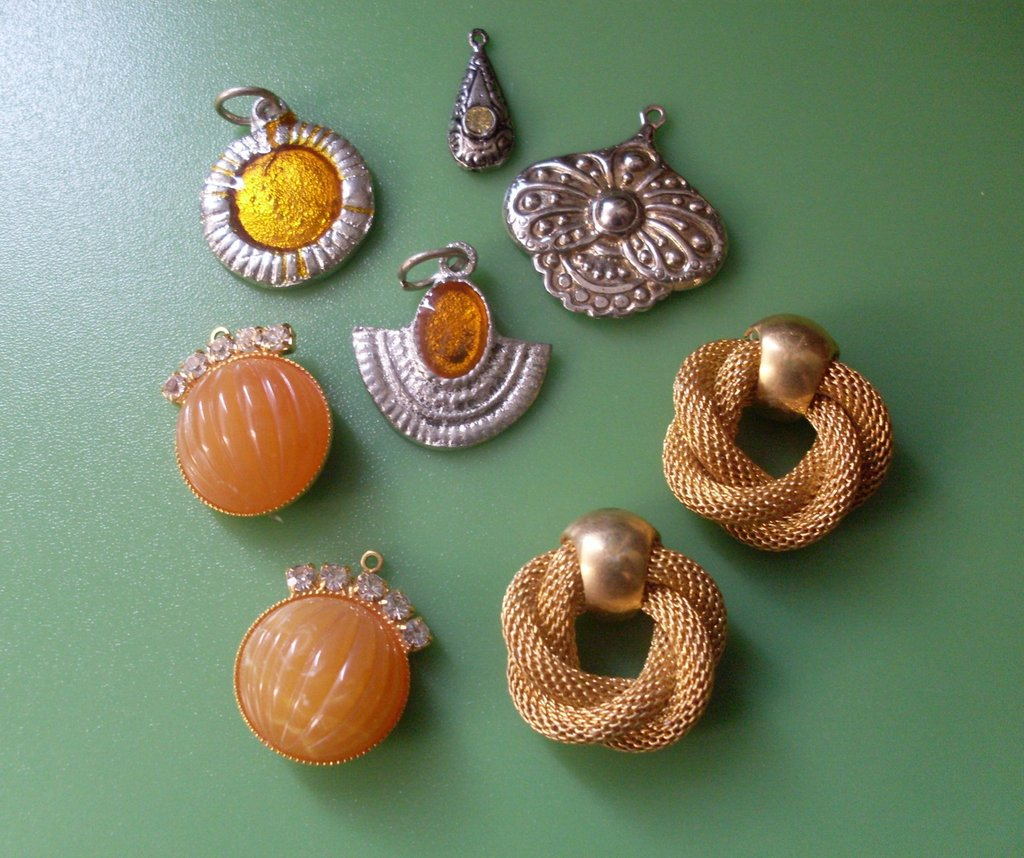 ART.322 - CHARMS BARCELLONA-vintage 1960