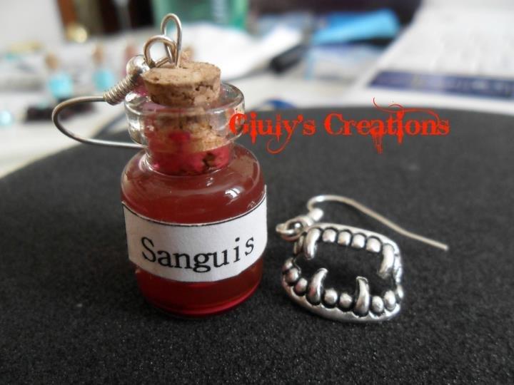 Orecchini sanguis e denti di vampiro