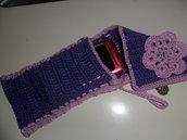 Portacellulare con fiore viola e lilla