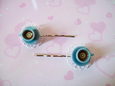 One hair clip-blue