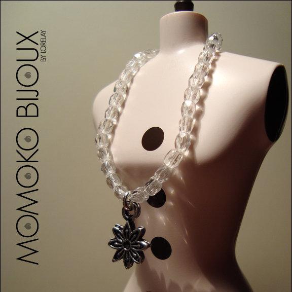 Cristal Flower Charm Necklace