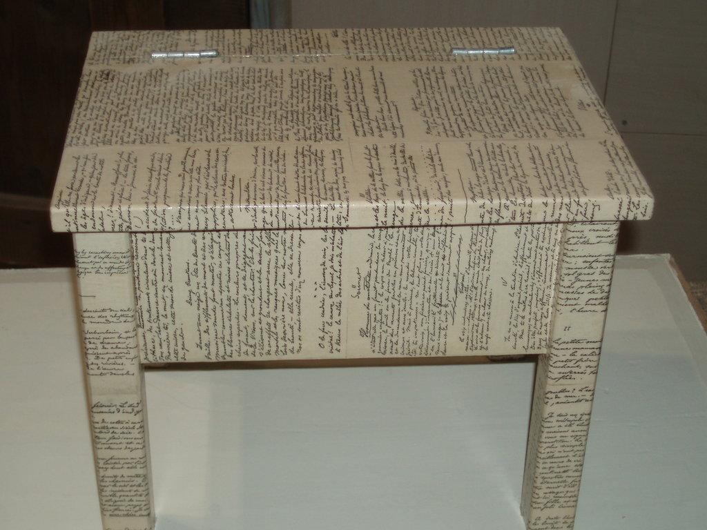 tavolino lucidascarpe