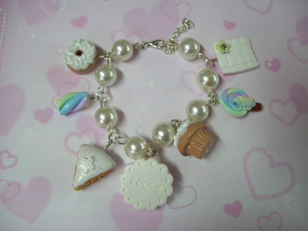 White multicharms bracelet-7pendants