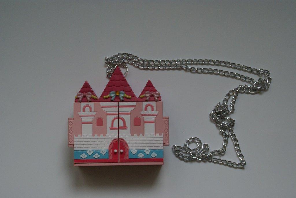 Collana castello