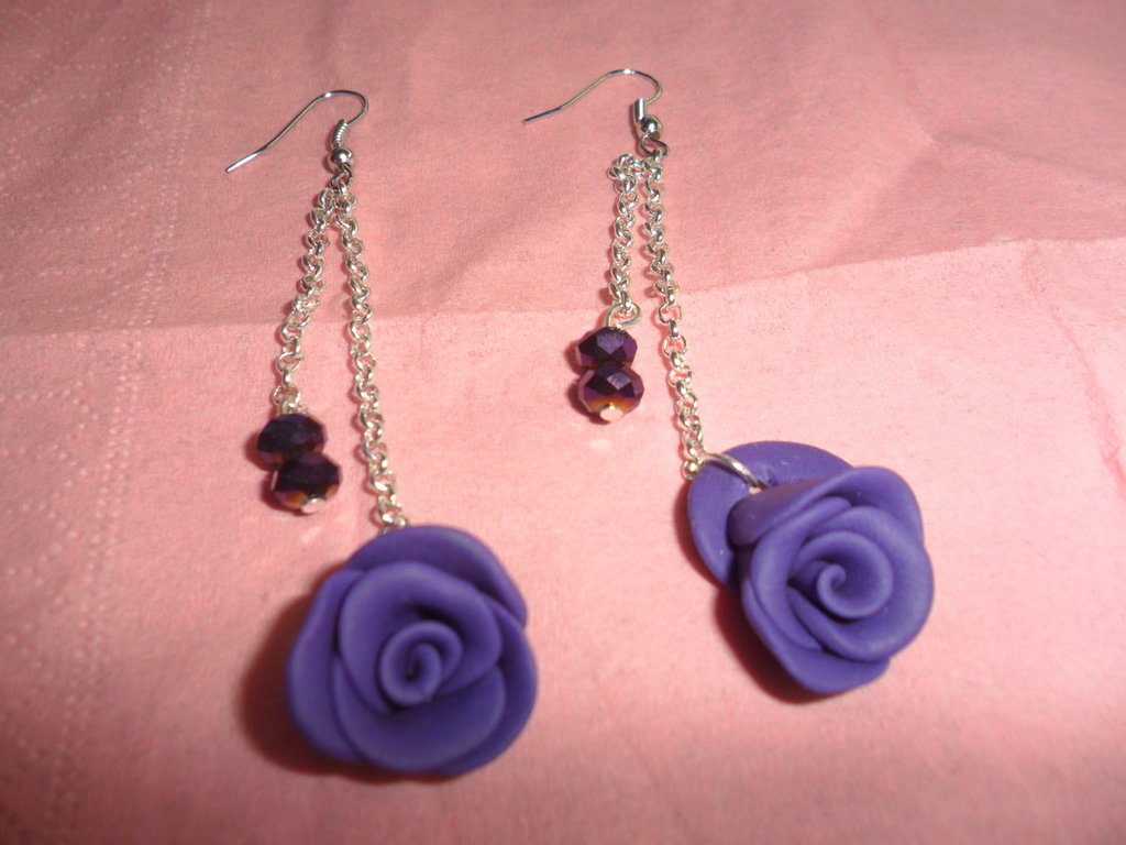orecchini pendenti con rose