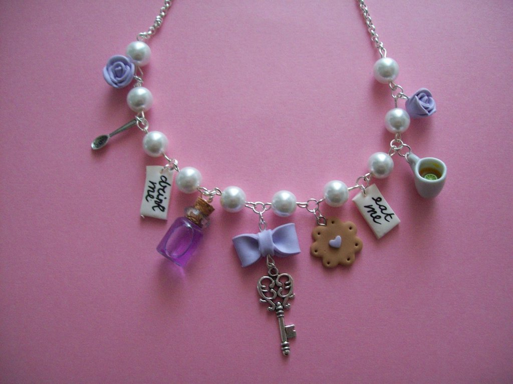 Alice in wonderland necklace-wisteria