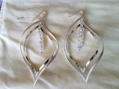orecchini grandi con cristalli B026