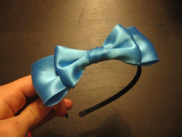 cerchiett fiocco di raso azzurro