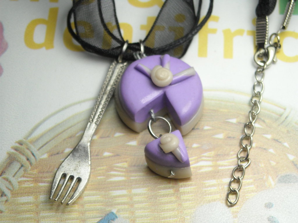 COLLANA torta dolce fetta fimo lilla lavanda forchetta miniatura idea regalo