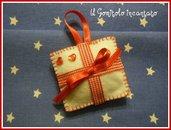 Natale: pacchettino in pannolenci!