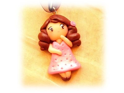 Collana bambolina rosa- fimo