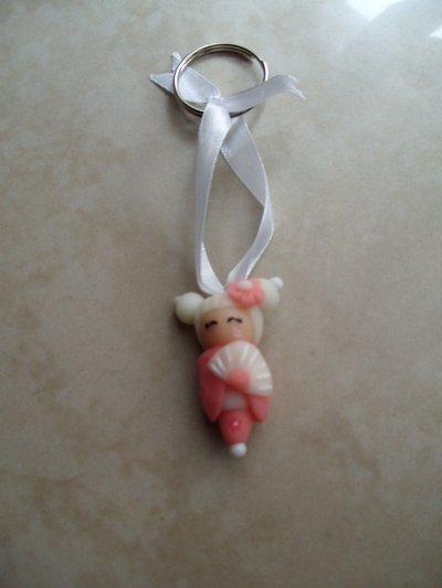 kokeshi dolls pink-white