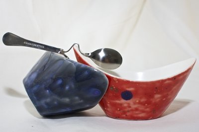 salsiere in ceramica con cucchiaino