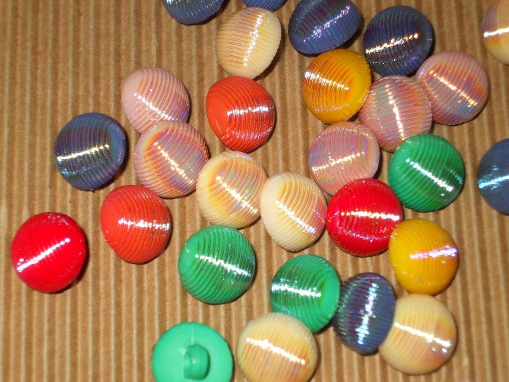 lotto 30 bottoni vintage vend.