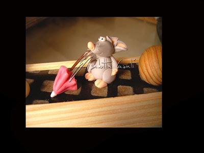 scatola decorata con topolini di città