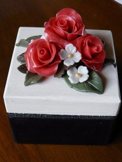 portagioie con roselline
