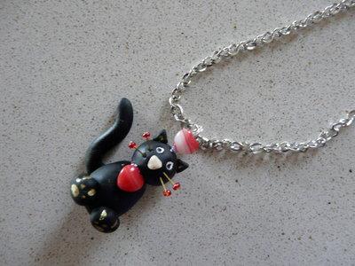 collana con gattino nero
