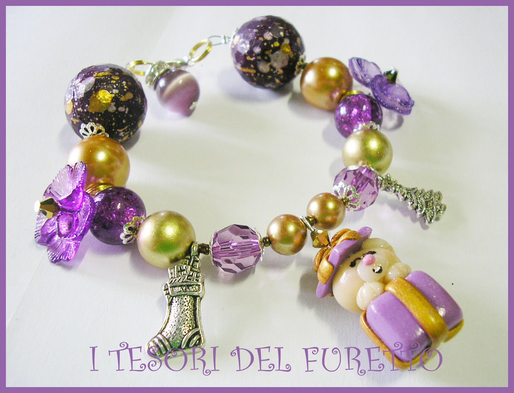 BRACCIALE * NATALE 2011 *  SERIE FUFUORSETTI FIMO PERLE * orsetto dentro pacchetto viola e oro* bijoux natalizi idea regalo orsetto charm bracelet bear xmas christmas