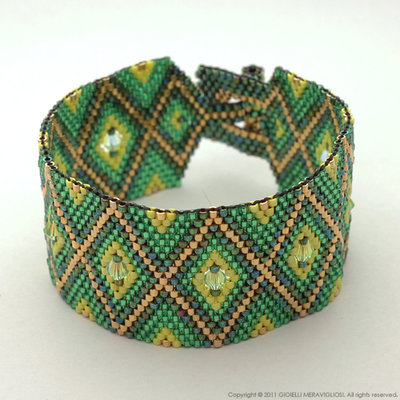 Peyote bracelet with swarovski bicones
