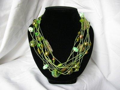 Collana fili verde
