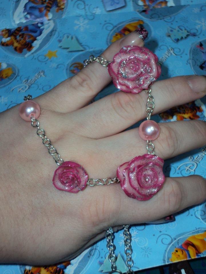 Collana girocollo con rose in fimo