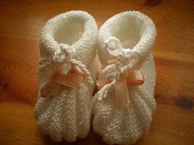 SCARPINE NEONATO IN LANA FATTE  A FERRETTI --- BABY SHOES