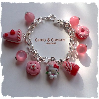Bracciale ciambellini Hello Kitty e charms in FIMO