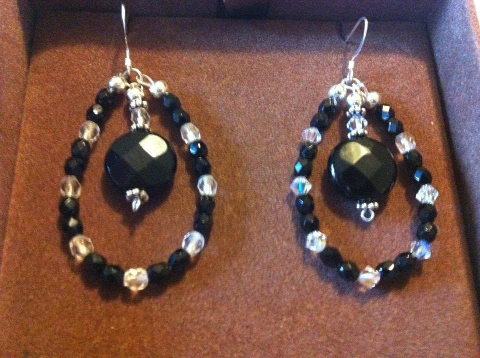 orecchini pietre e perline