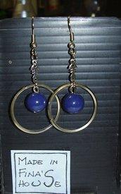 orecchini pendenti pallina blu