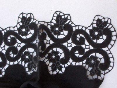 Stola di seta pura nera intagliata a mano