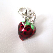 Charm Smaltato - Fragola + moschettone - 12 mm