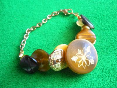 Bracciale di bottoni - Button Bracelet