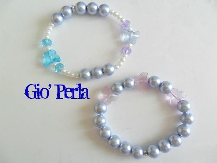 braccialetti con perle e farfalline