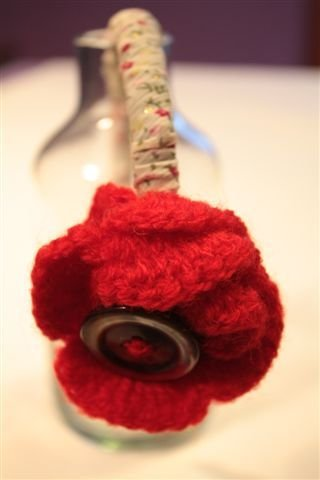 Cerchietto Crepe Satin Rosso, lana e Bottone Vintage